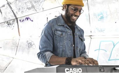 Cory Henry na klaviaturi CASIO CT-X5000